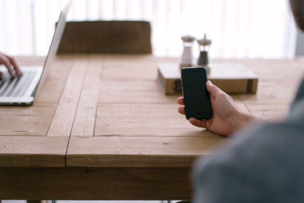 Notebook und Smartphone bald nicht mehr gleichberechtigt im Internet?