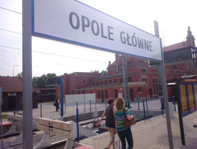 Der Oppelner Hauptbahnhof: Opole Glówne.