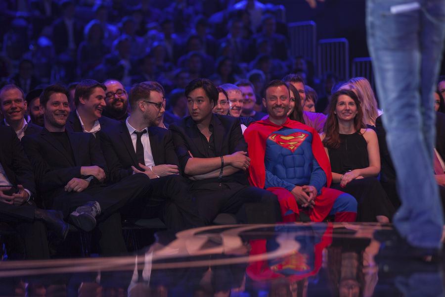 Die Moderatoren und Mitarbeiter von Rocket Beans TV beim Webvideopreis 2015. CC BY 2.0
