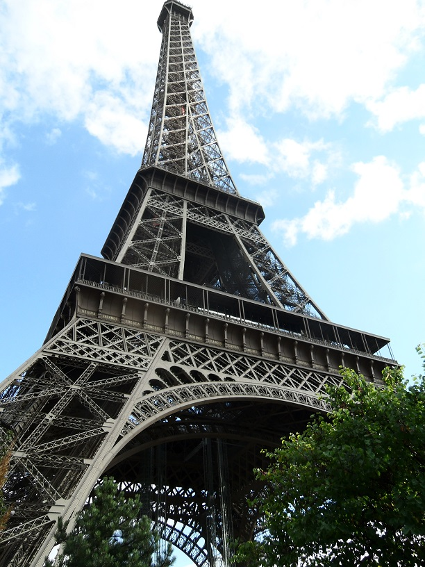 Muss der Eiffelturm bald in privaten Fotos geschwärzt werden? So schlimm wird es nicht, aber das Urheberrecht könnte dennoch beschnitten werden.