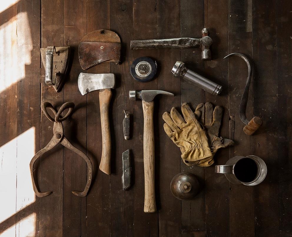 Digitales Equipment und Werkzeug.